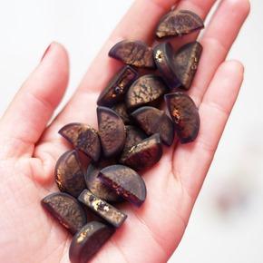 paarse kralen van muranoglas om juwelen te maken