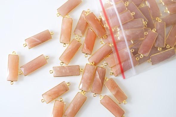 Bezel gemstones bedels en linkjes met maansteen om juwelen te maken