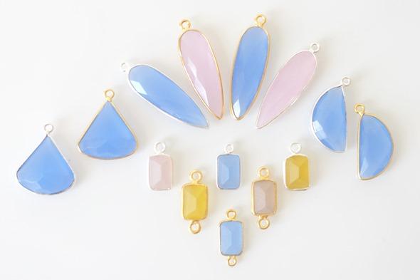 bezel gemstones bedels en links met chalcedoon edelsteen om zelf juwelen en sieraden te maken