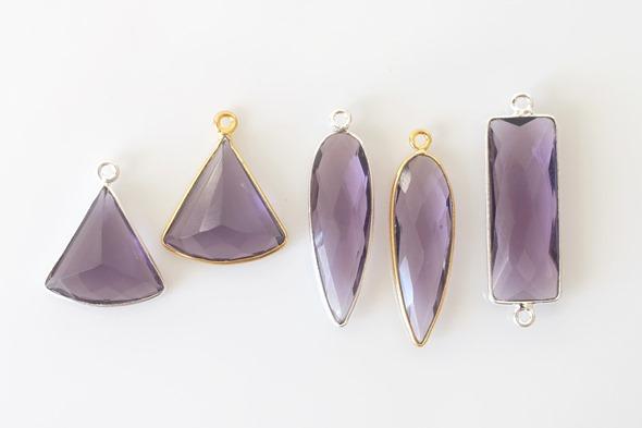 gemstone bezels bedels en link met amethist edelsteen, zelf juwelen en sieraden maken