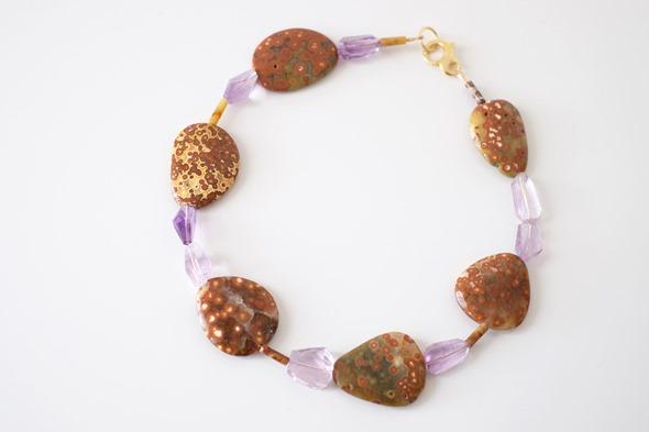 halssnoer met edelsteen kralen, jaspis en amethist, zahia juwelen