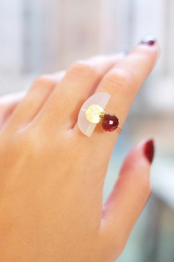 handgemaakte-ring-met-rode-granaat-b