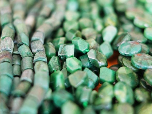 groene jasper en verdiet kralen_2