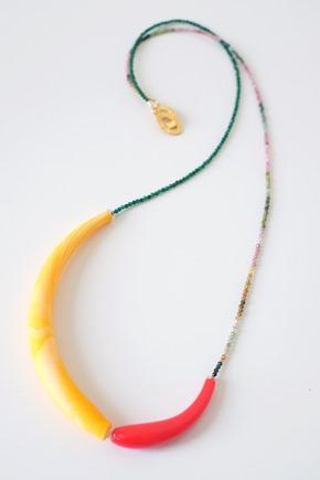 lang halssnoer met tubi van Muranoglas en fijn facetkralen, zahia juwelen