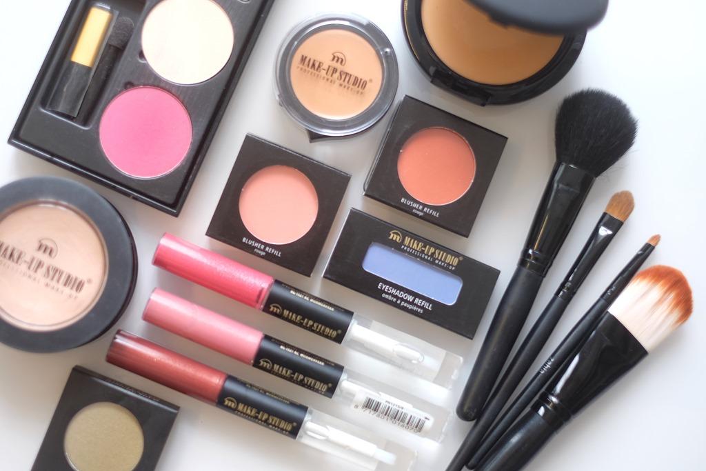 Stockopruiming: uitverkoop volledige collectie make-up bij Zahia Antwerpen!