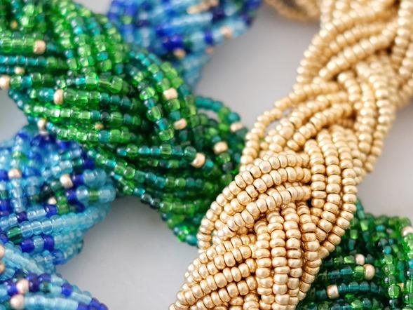 gouden en groene snoeren vintage rocailles_seed beads_zahia kralen