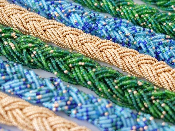 snoeren vintage rocailles_seed beads_groen blauw goud_zahia kralen en juwelen