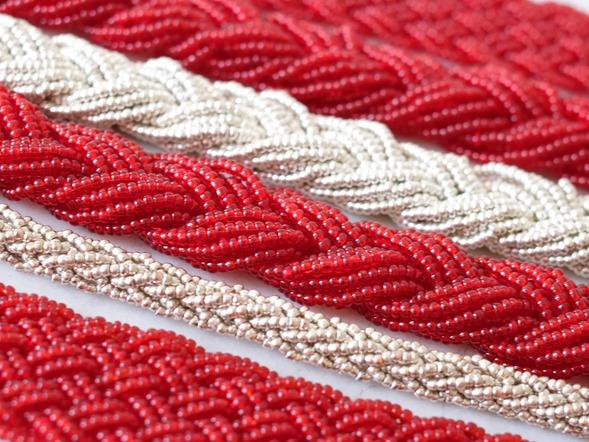 snoeren vintage rocailles_seed beads_rood zilver_zahia kralen en juwelen2