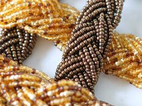 snoeren vintage rocailles_seed beads_zahia kralen juwelen_brons goud3