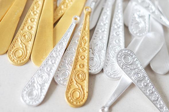 ethnische hangers in goud en zilver om zelf juwelen te maken, handgemaakt in India