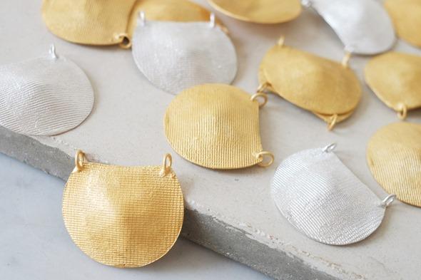 ronde hanger gestreept om zelf juwelen te maken 7