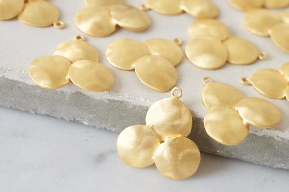 ronde hanger gestreept om zelf juwelen te maken6